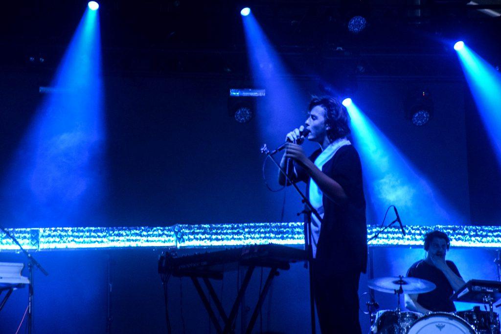 Warhola (Oliver Symons en band) brachten hun elektronische vibes naar Castello. © Kriskras Kiewit